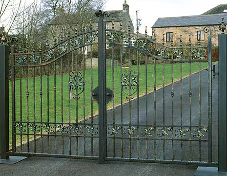 Woodland Metal Gate Style